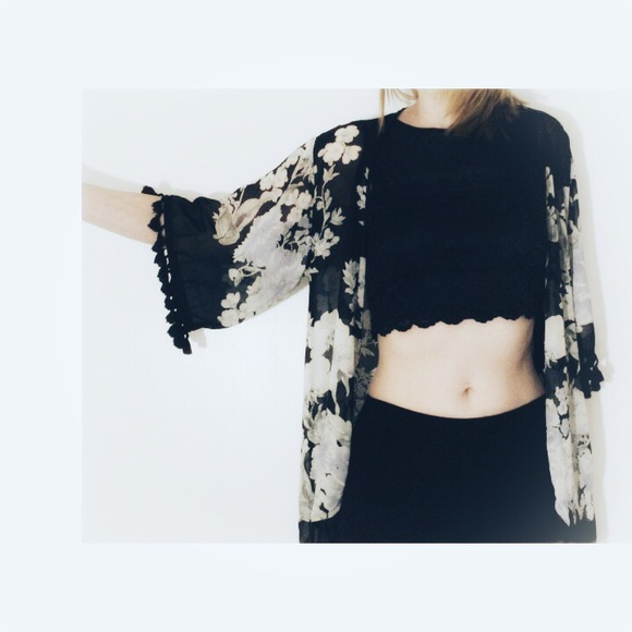 Forever 21 Tops - ❤️ 5/$25 | Floral Kimono & 2 Tops Bundle